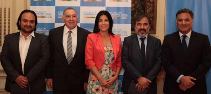 Escuela De Gobierno Local Entregó Reconocimiento Por Impulsar Y Difundir Iniciativas Del ámbito Municipal Y Local